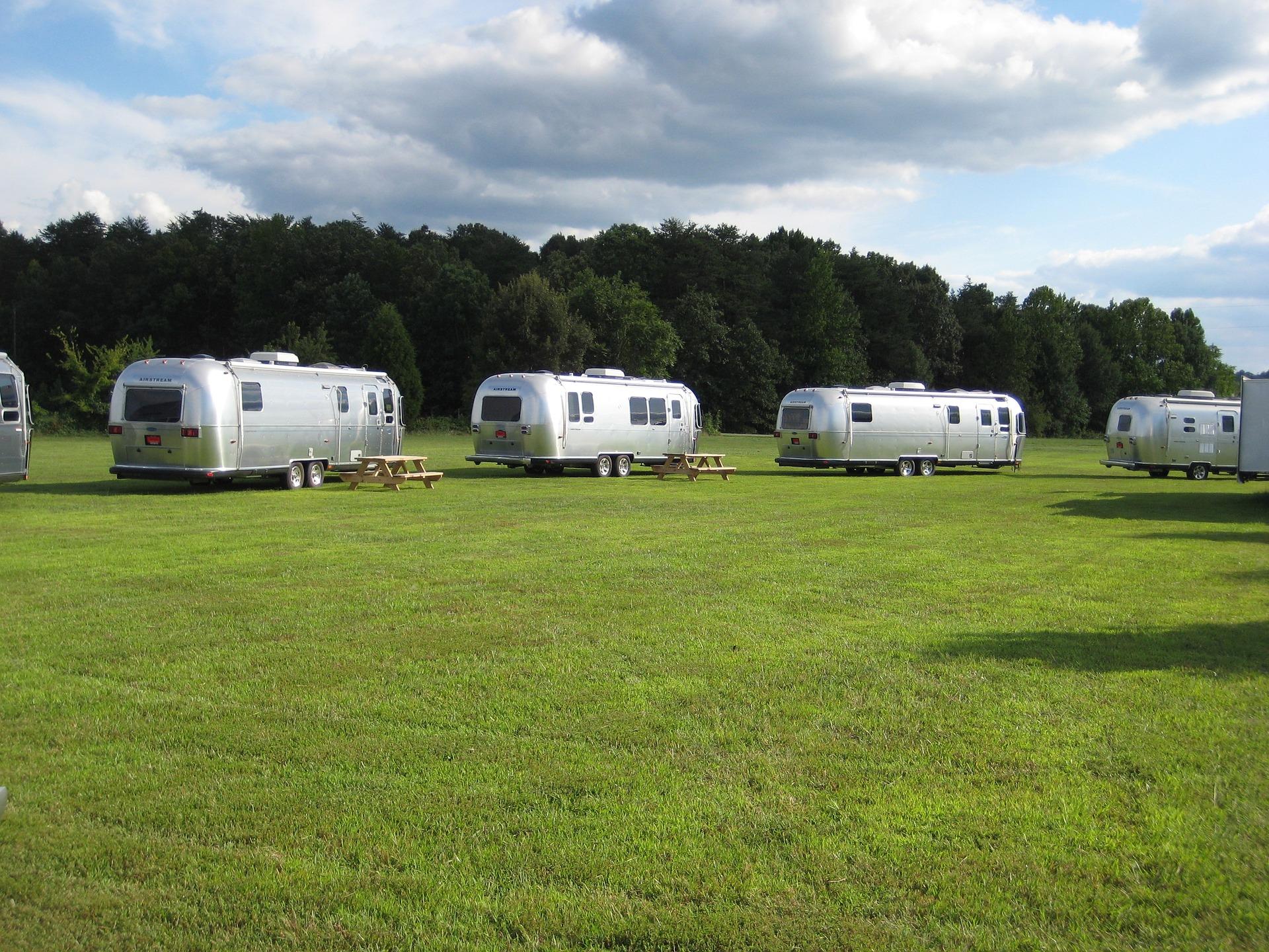 Louer un camping car pour le week end loca 39 lam site internet automobile jalis - Garage a louer pour camping car ...