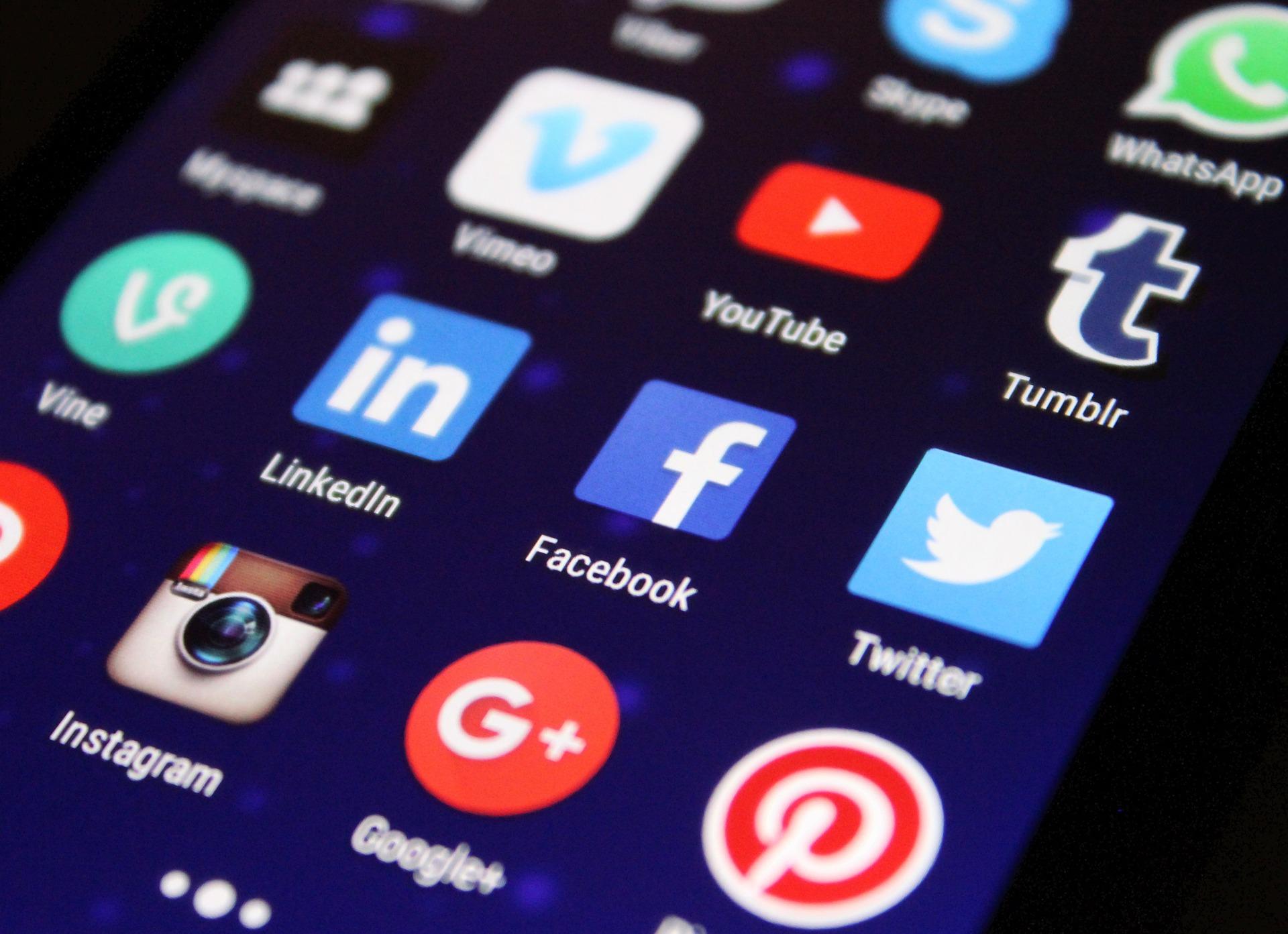 Référencement et réseaux sociaux : deux inséparables
